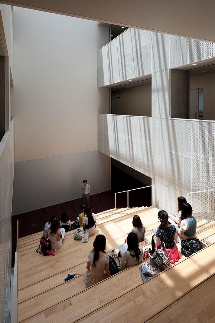 跡見学園女子大学文京キャンパス2号館