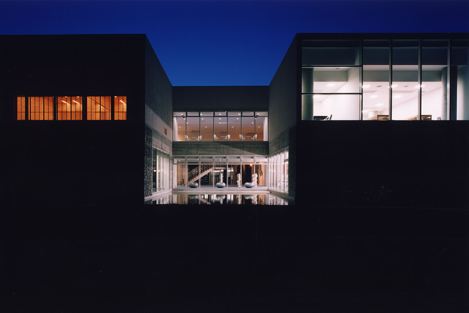 松山市中島総合文化センター