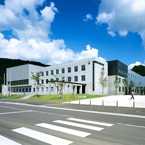 秋田県立横手清陵学院<br /> 中学校・高等学校