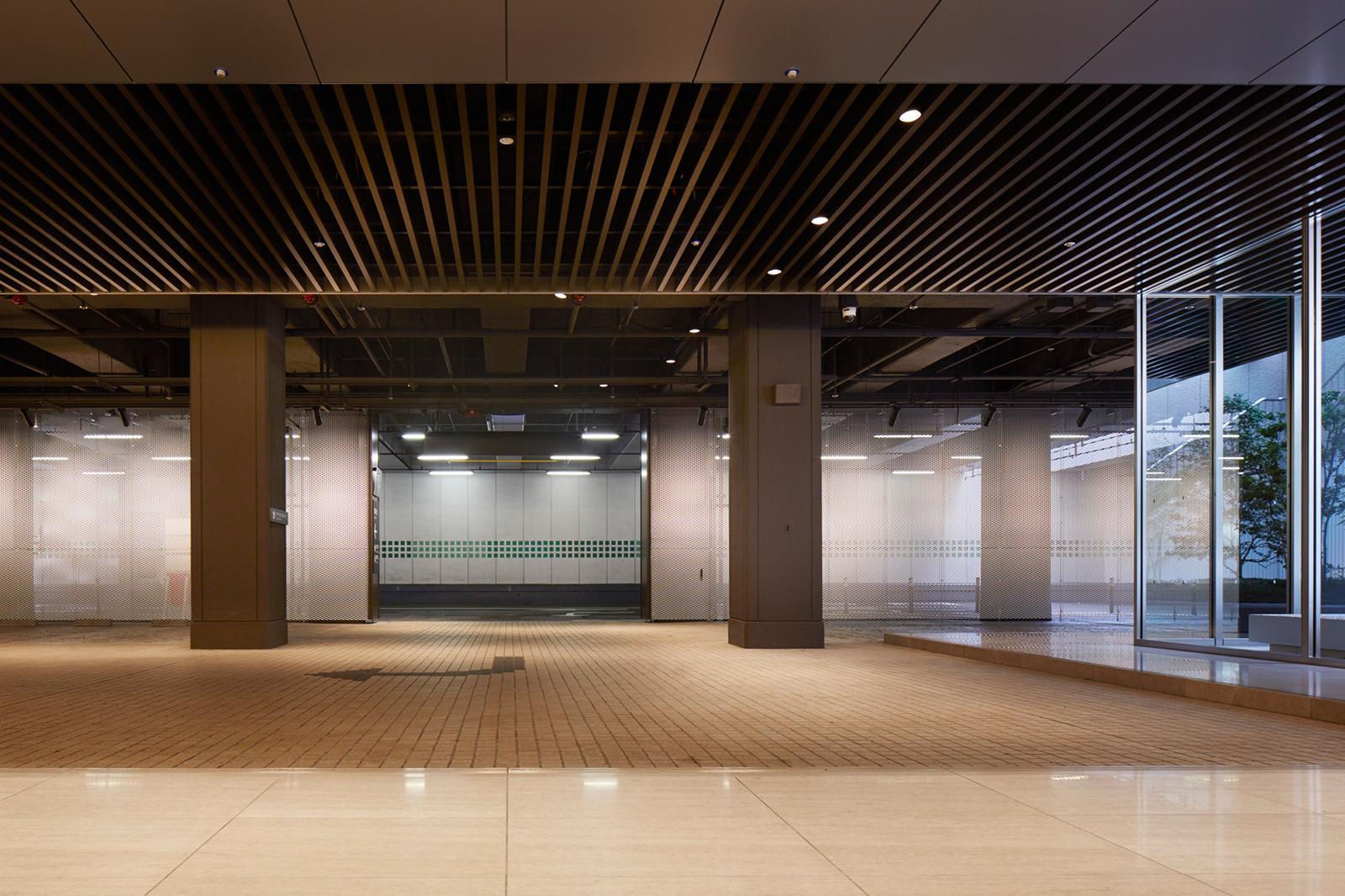 新宿三井ビルディング 車寄せ改修