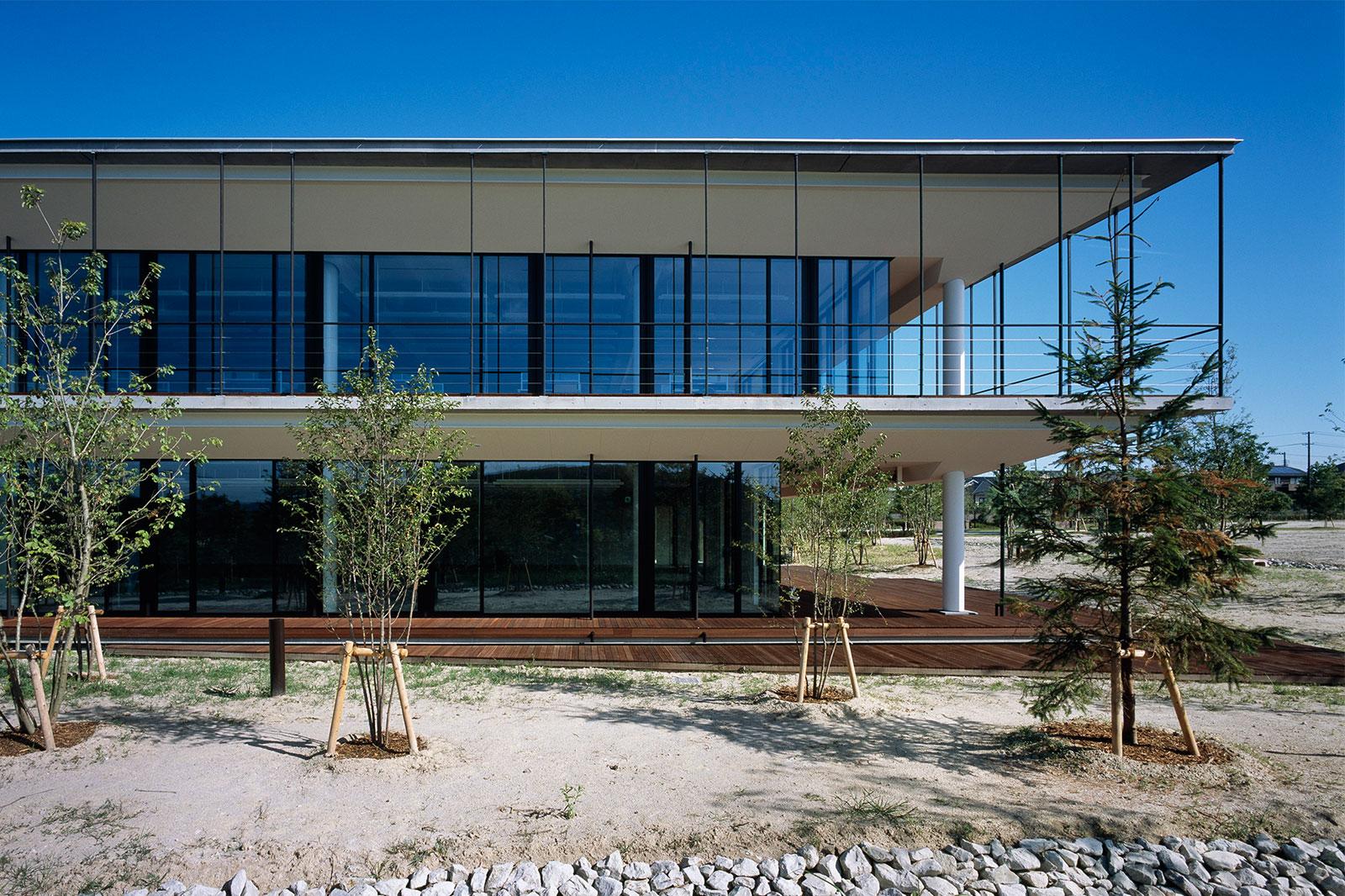 木立の中のリラクゼーションオフィス PART1