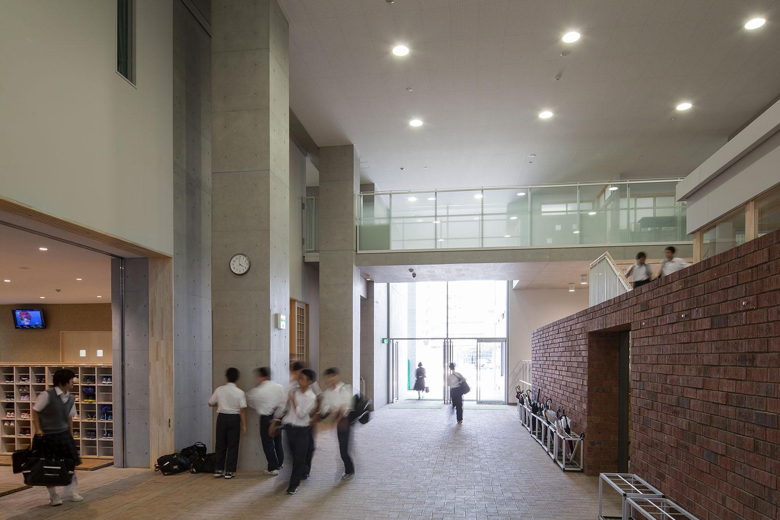 北区立 赤羽岩淵中学校